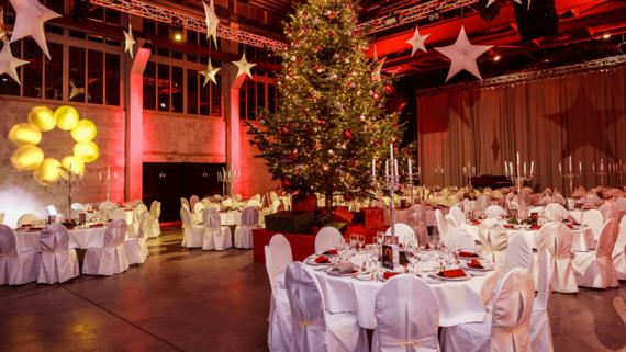 Weihnachtsfeier in DIE HALLE Tor 2 – gesehen bei frauimmer-herrewig.de