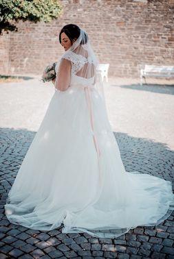 Brautmodeladen Wundervoll Weiblich 08 – gesehen bei frauimmer-herrewig.de