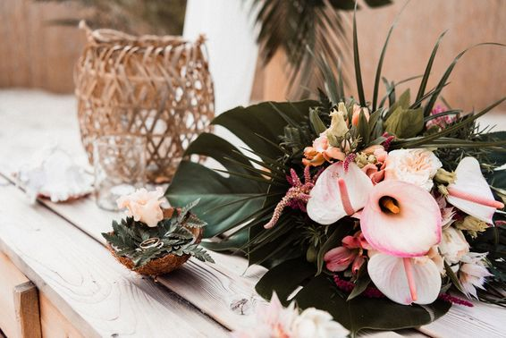 Tropischer Brautstrauß – gesehen bei frauimmer-herrewig.de