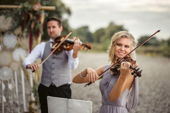 Geigen-Duo für die Trauung – gesehen bei frauimmer-herrewig.de
