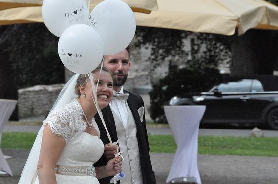 Brautpaar freie Trauung – gesehen bei frauimmer-herrewig.de