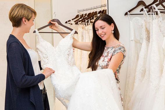 Brautkleidkauf Hochzeitshaus Struck – gesehen bei frauimmer-herrewig.de