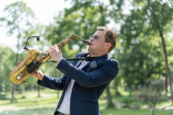 Saxophon by Mobile Hochzeits DJs 01 – gesehen bei frauimmer-herrewig.de