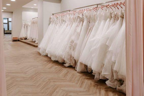 Brautkleiderauswahl Brautbluete 04 – gesehen bei frauimmer-herrewig.de