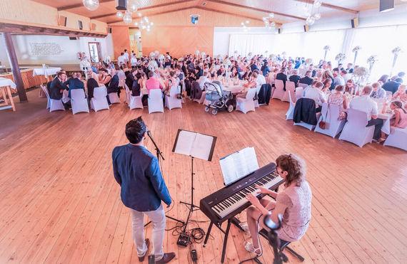 Live Musik für eure Hochzeit – gesehen bei frauimmer-herrewig.de