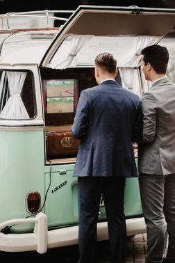 Photobooth Hochzeitsfeier – gesehen bei frauimmer-herrewig.de