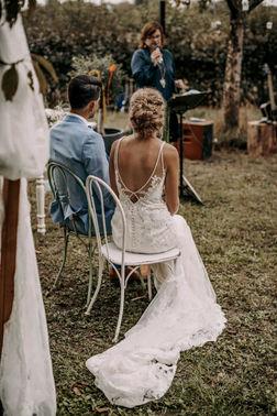 Boho Brautkleid mit Schleppe – gesehen bei frauimmer-herrewig.de