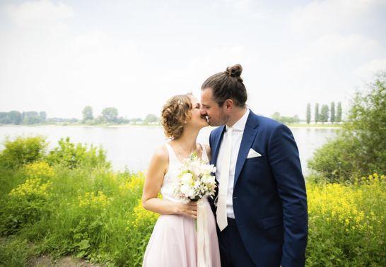 Hochzeitsfotoshooting mit Ehepaar – gesehen bei frauimmer-herrewig.de