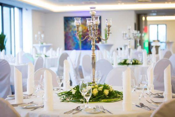 dekorierte Hochzeitslocation in Köln – gesehen bei frauimmer-herrewig.de