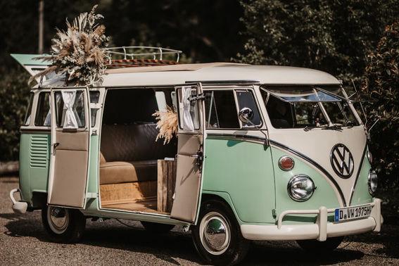 Photobooth Bulli Hochzeit – gesehen bei frauimmer-herrewig.de