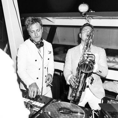 Dandy O White Party Saxofon – gesehen bei frauimmer-herrewig.de