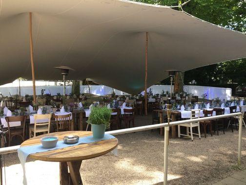 Outdoor Hochzeitsfeier  – gesehen bei frauimmer-herrewig.de