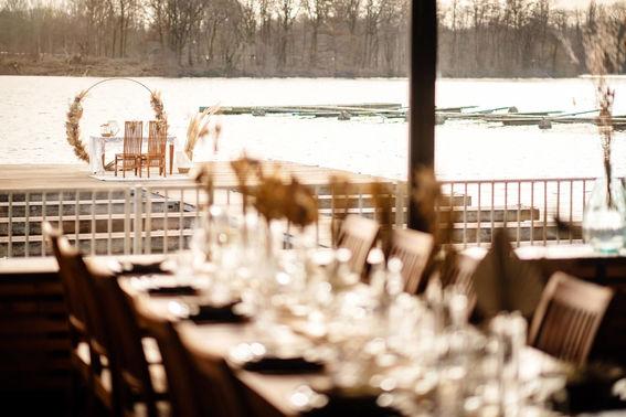 Hochzeitsfeier mit Seeblick – gesehen bei frauimmer-herrewig.de