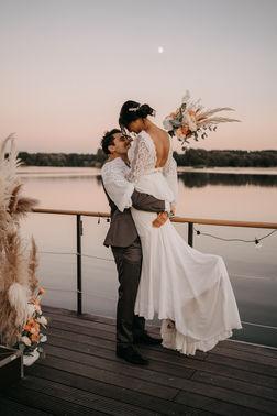 Hochzeitsfotoshooting am See – gesehen bei frauimmer-herrewig.de