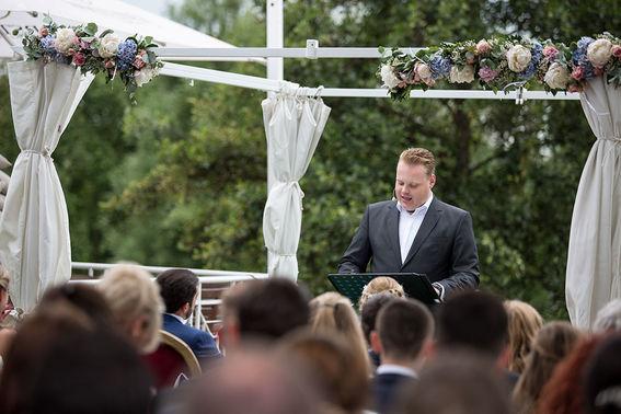 Freie Trauung mit Marco Jaeger Hochzeitsreportage Anja und Daniel Foto dorinamilas – gesehen bei frauimmer-herrewig.de