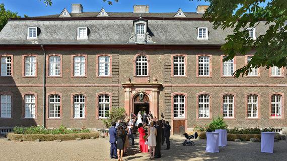Eltzhof Schloss Wahn Hochzeit Koeln – gesehen bei frauimmer-herrewig.de