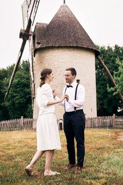 After Wedding Shooting vor Mühle – gesehen bei frauimmer-herrewig.de