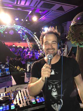 Party mit DJ – gesehen bei frauimmer-herrewig.de