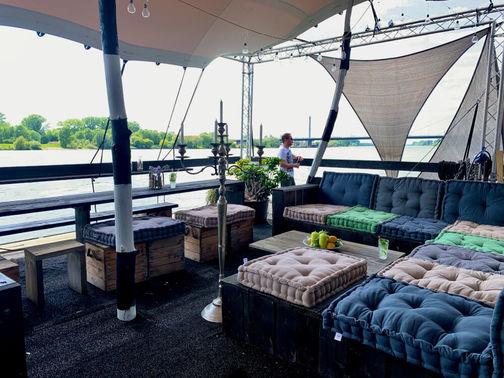 Lounge im Außenbereich – gesehen bei frauimmer-herrewig.de