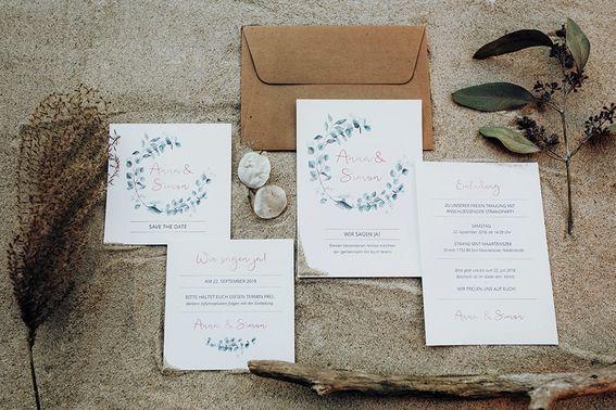 Wedding meets beach Papeterie Karten c Anika Ens min – gesehen bei frauimmer-herrewig.de