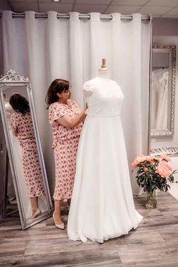 Brautmodeladen Wundervoll Weiblich 03 – gesehen bei frauimmer-herrewig.de