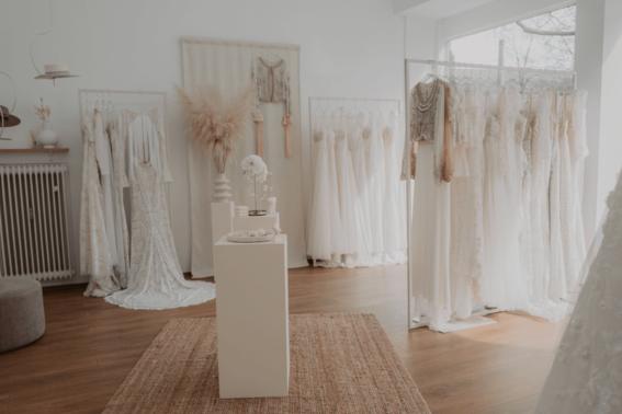 Brautkleider finden – gesehen bei frauimmer-herrewig.de