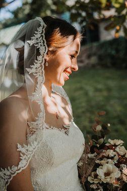 Brautmode aus der Eifel – gesehen bei frauimmer-herrewig.de