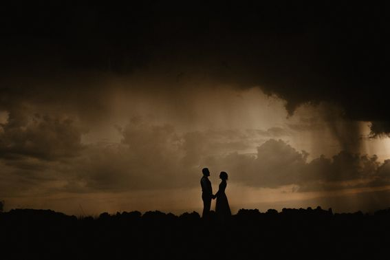 Hochzeit regen brautpaar Sven Hebbinghaus Fotografie – gesehen bei frauimmer-herrewig.de