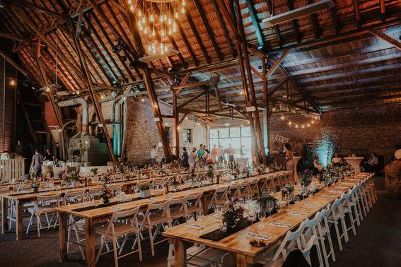 Hochzeitstafel historische Scheune – gesehen bei frauimmer-herrewig.de