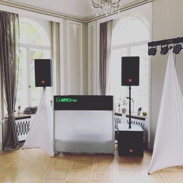 HochzeitsDJ Koeln Duesseldorf DJ Rene Frankenfeld Technik – gesehen bei frauimmer-herrewig.de