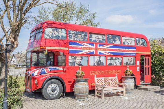 Doppeldeckerbus als Hochzeitslocation - Foto: ©Erik Spilles – gesehen bei frauimmer-herrewig.de
