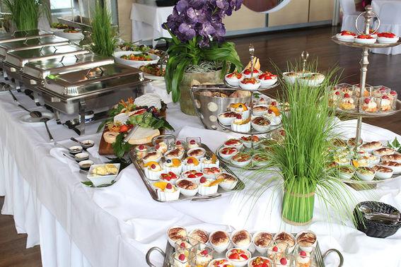 Dessertbuffet Tanzhaus Bonn – gesehen bei frauimmer-herrewig.de