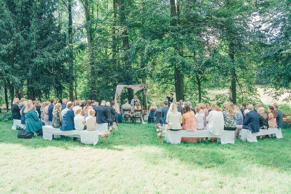 Hochzeit im Freien – gesehen bei frauimmer-herrewig.de