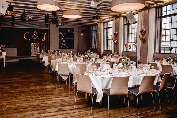 Kunstsalon Location Hochzeit Laura Zimmermann – gesehen bei frauimmer-herrewig.de