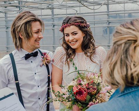Freie Rednerin federfrei Hochzeit Trauung Brautpaar DSC 5433 – gesehen bei frauimmer-herrewig.de