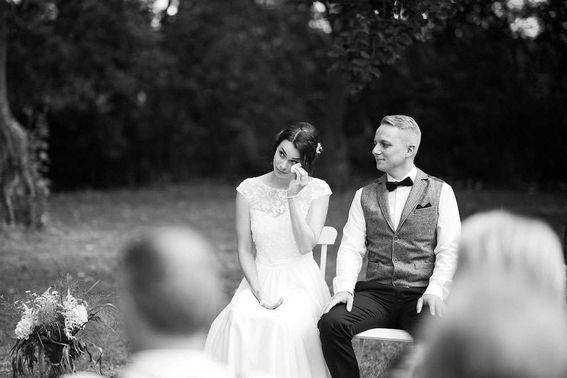 Brautpaar emotionale Trauung Mark Dillon Photography 07 – gesehen bei frauimmer-herrewig.de