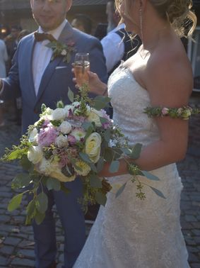 Blumendekoration Hochzeit Flowes n Joy 06 – gesehen bei frauimmer-herrewig.de