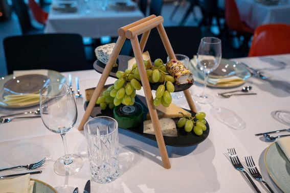 Käseplatte für die Hochzeitsfeier – gesehen bei frauimmer-herrewig.de
