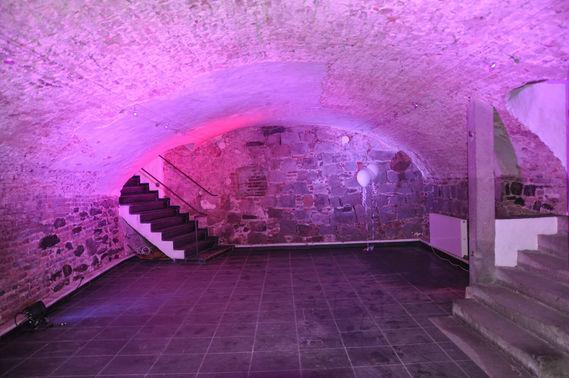 Ausgeleuchtetes Gewölbe in der Klosterkapelle - Copyright www.wingart.de – gesehen bei frauimmer-herrewig.de