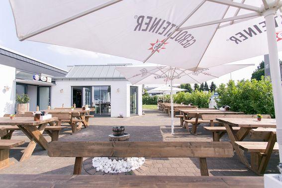 Außenbereich der Hochzeitslocation – gesehen bei frauimmer-herrewig.de