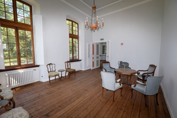 Schloss Arff Salon – gesehen bei frauimmer-herrewig.de