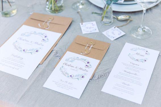 Rustic wedding papeterie c Daniel Kondratiuk min – gesehen bei frauimmer-herrewig.de