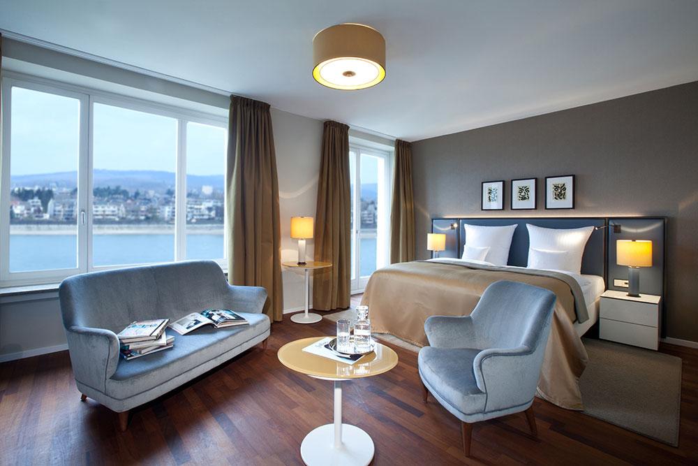 Hotelzimmer mit Rheinblick