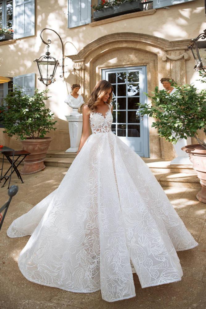 De Luxe by Cecile Hochzeitsmoden Koeln Milla Nova Kamelia