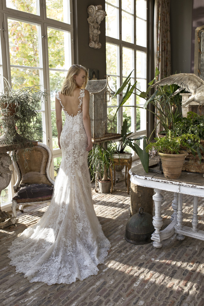 De Luxe by Cecile Hochzeitsmoden Koeln Modeca 2019 Destiny back