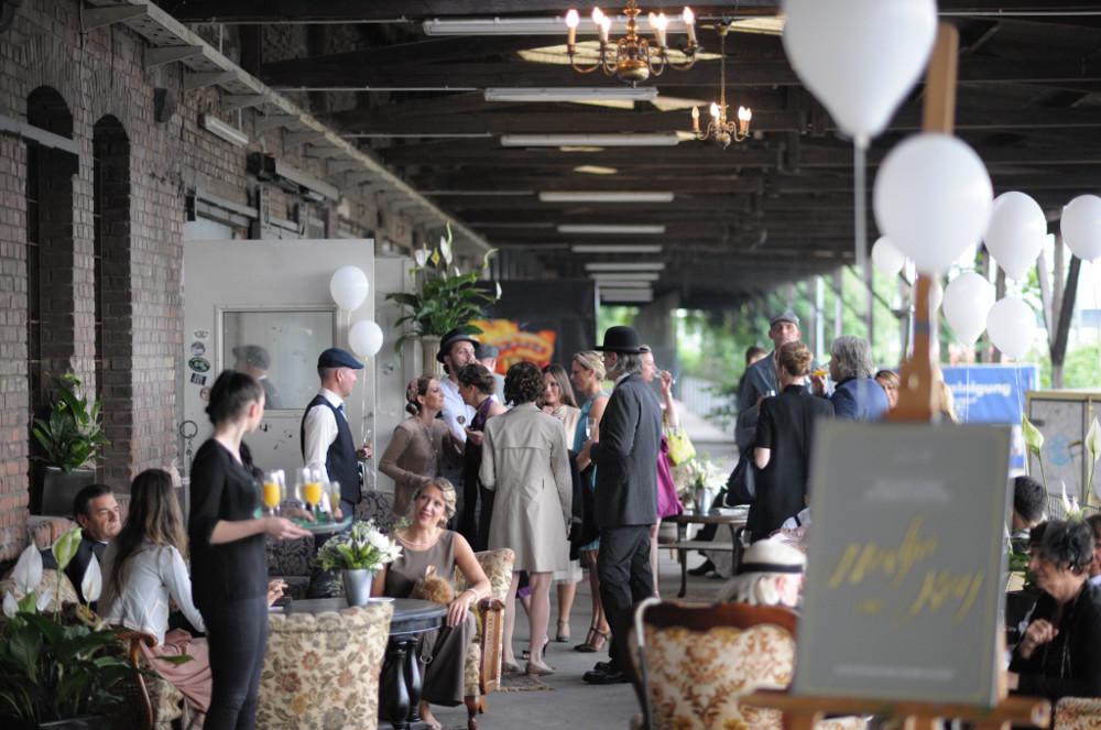 Gare du Neuss draussen Bar Hochzeitslocation