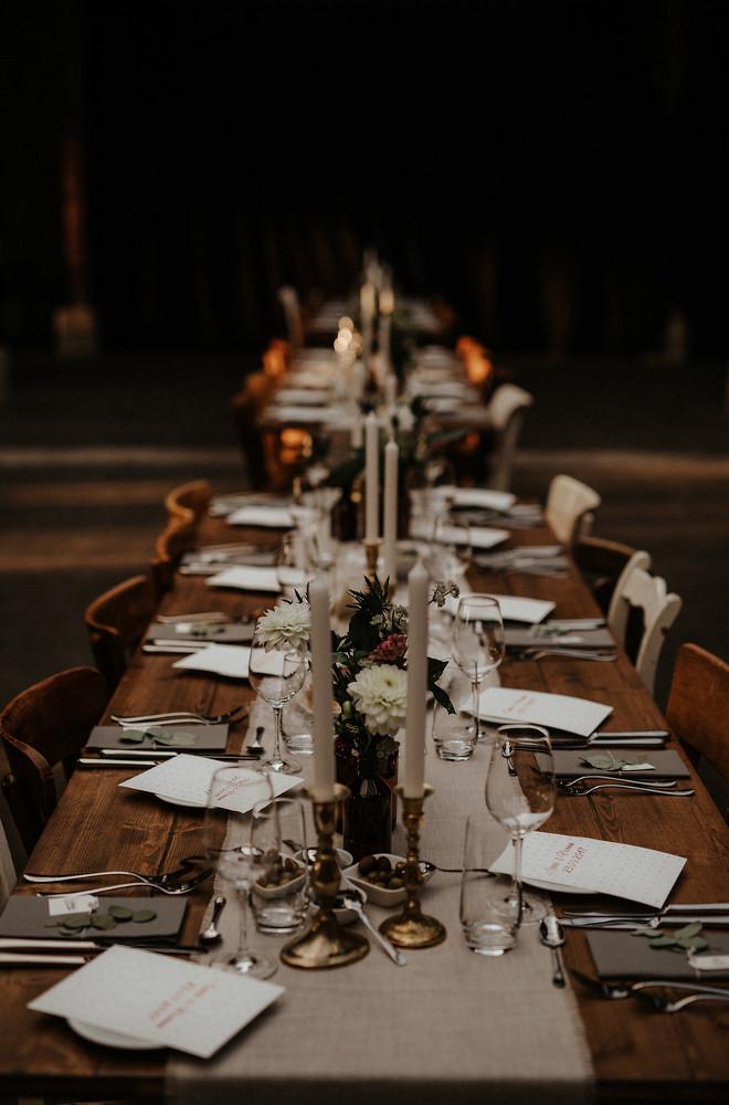 Gare du Neuss festliche Tischdekoration Hochzeitslocation