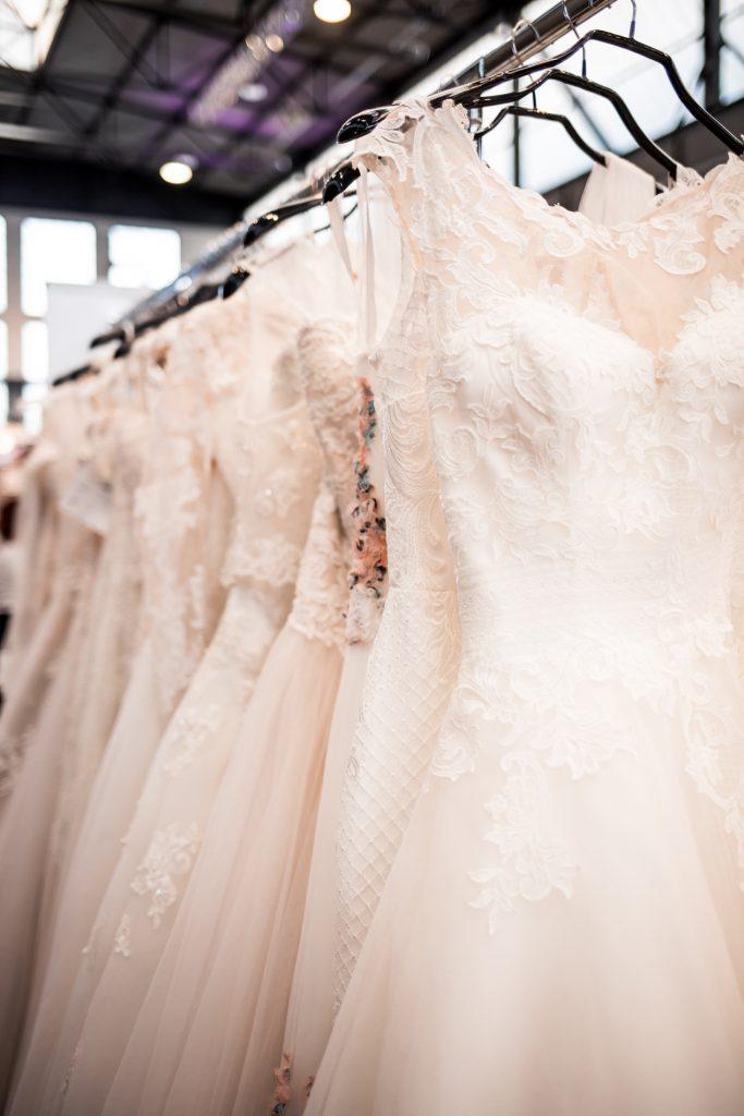 Wir heiraten Duesseldorf 2018 Brautmode 683x1024