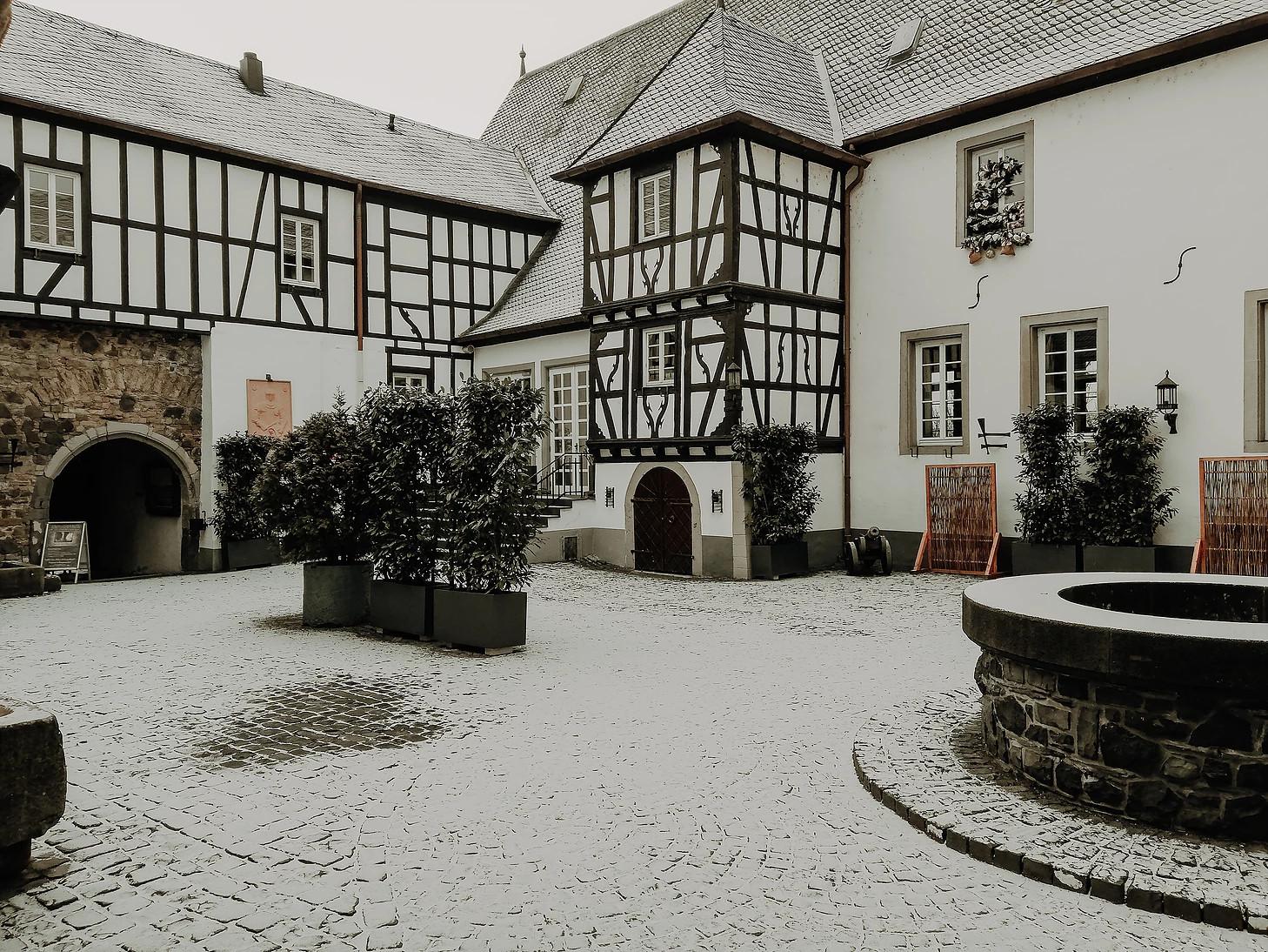 Burg Linz Saal. 02
