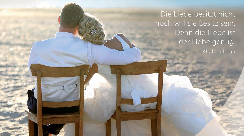 Brautpaar am Strand Lalinea Mueller